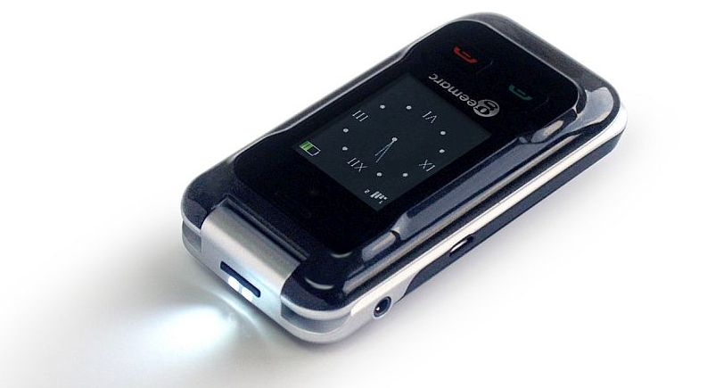 Geemarc CL8500 Clamshell Mobile Phone torch light